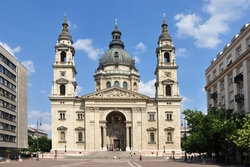 St Stephen Basilica - 1,2 km from the hotel