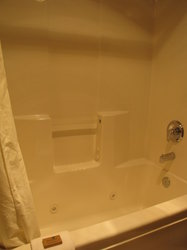 King Suite Jetted Tub 2
