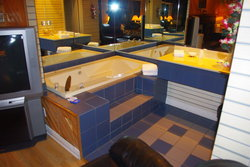 Suite Whirpool bathtub #301