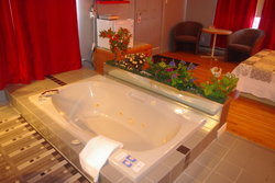 Large Whirlpool Bath suite #303
