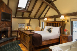 Upper Carriage House Suite with King Bed