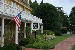 Colonial Oxford, Maryland - Walk to famous restaurants like the Robert Morris Inn
