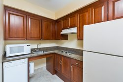 Convenient Suite Kitchenette