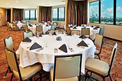 New Orleans Westbank Hotel - Top Floor Crescent Meeting Room