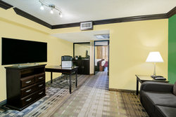 There is plenty of room for 6 guests in our 2 Queen Suites.