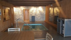 Hot Tub, Sauna