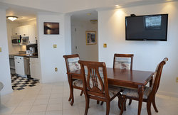 Spacious Two Bedroom Suite - Dining Area