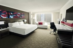 Signature Club Guestroom