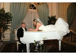 Piano Bride & Groom2