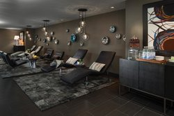 Luxury Spa Relaxation Room