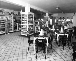 Flanders Hotel - Sundries Shop