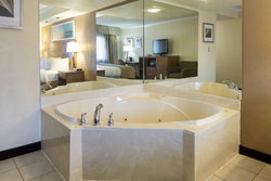 Room with Hot-tub