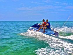 Take a jetskis tour