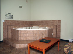 2 Person Jacuzzi Tub with Dining Area