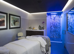 Spa Treatment Room with Chromo-therapy
