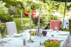 Take the well deserved lunch in the garden