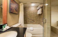 Alpine Two Bedroom Suite Bathroom