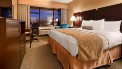 King Riverfront Room