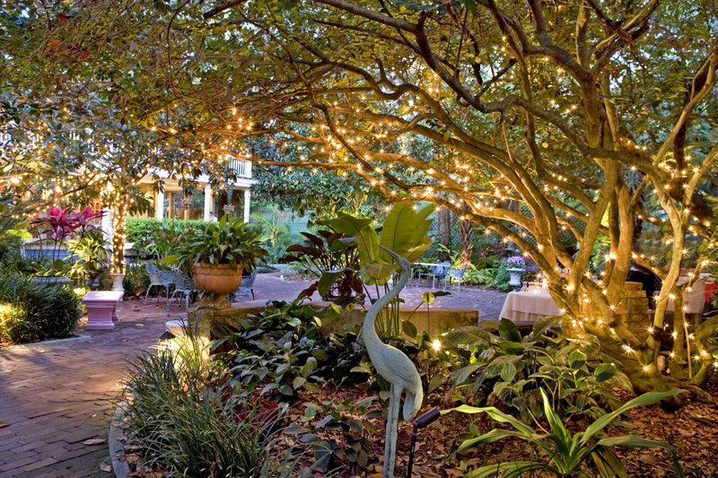 Weddings Events In Orlando The Courtyard At Lake Lucerne