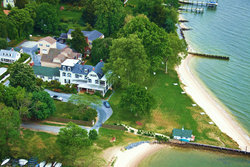 Sandaway Waterfront Lodging & Private Beach - Oxford, MD