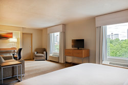 Newly Renovated Holiday Inn Presidential Little Rock King Guestroom Suite