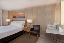 Newly Renovated Holiday Inn Presidential Little Rock King Accessible Guestroom
