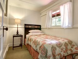 Ohia-Bedroom with a twin bed