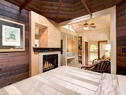 Ihilani-Bed with fireplace