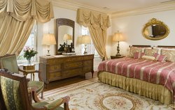 The Murray Suite Bedroom