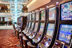 Test your luck while staying at our hotel near the Talking Stick Casino.