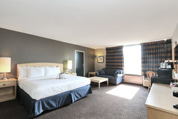 Signature King Guestroom