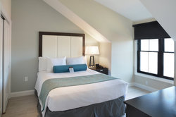 Penthouse Loft Room with Queen Bed
