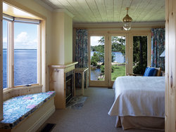 Lakeside Guest Rooms