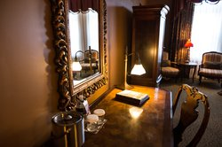 Blennerhassett Signature Suite