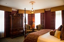 William Chancellor Signature Suite