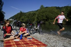 Take a rest when cycling through the Thermenregion