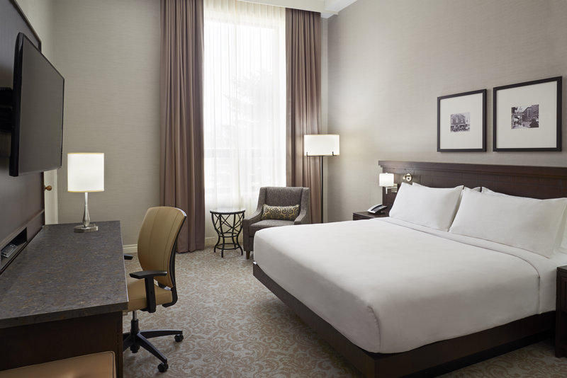 Hotel Rooms Suites In Downtown London On Delta London Armouries