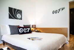 James Bond Room 4