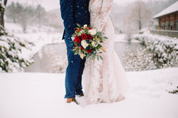 Couple Winter Wedding at Glasbern