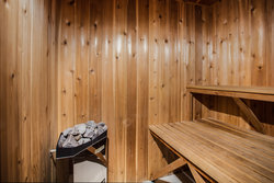 Lakeside Double Queen Suite with Sauna