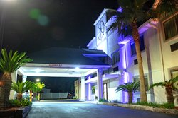 Front of Admiral's Inn on Tybee Island with Blue Lights