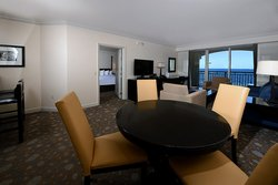 Ofkst Bedroom Oceanfront Suite Dining Living Room