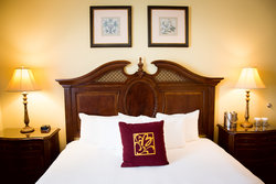 ADA - Traditional King Guestroom