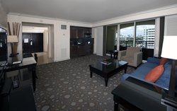 Cvkst Bedroom Panoramic City View Suite Living Room
