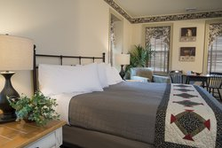 701 King Bed