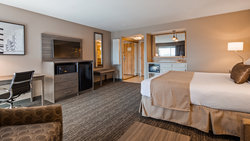 Junior King Suite with Wet Bar