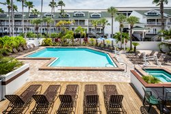Holiday Inn Suites Clearwater Beach S Harbourside Pool