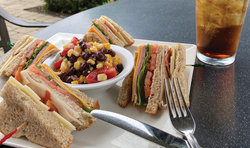Club Sandwich Fb: Web