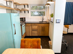 Studio Kitchenette with 2 King Beds + Bunkbed (No Pets) Kitchenette