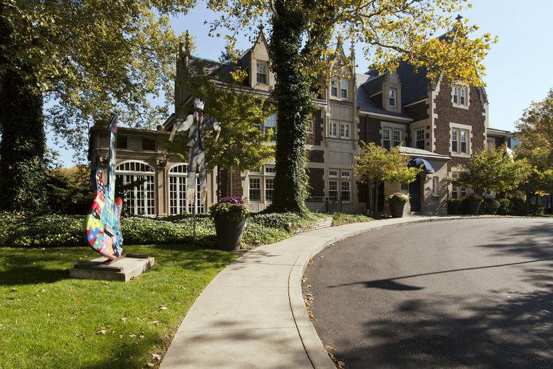 Cleveland Ohio Attractions Near Glidden House Hotel